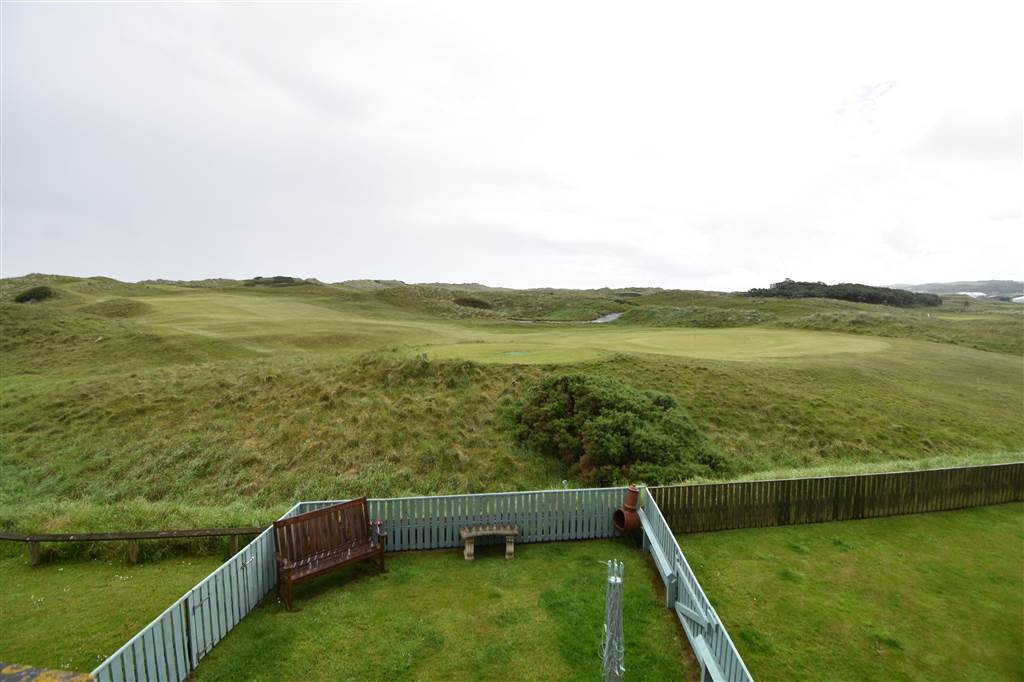 19 The Links