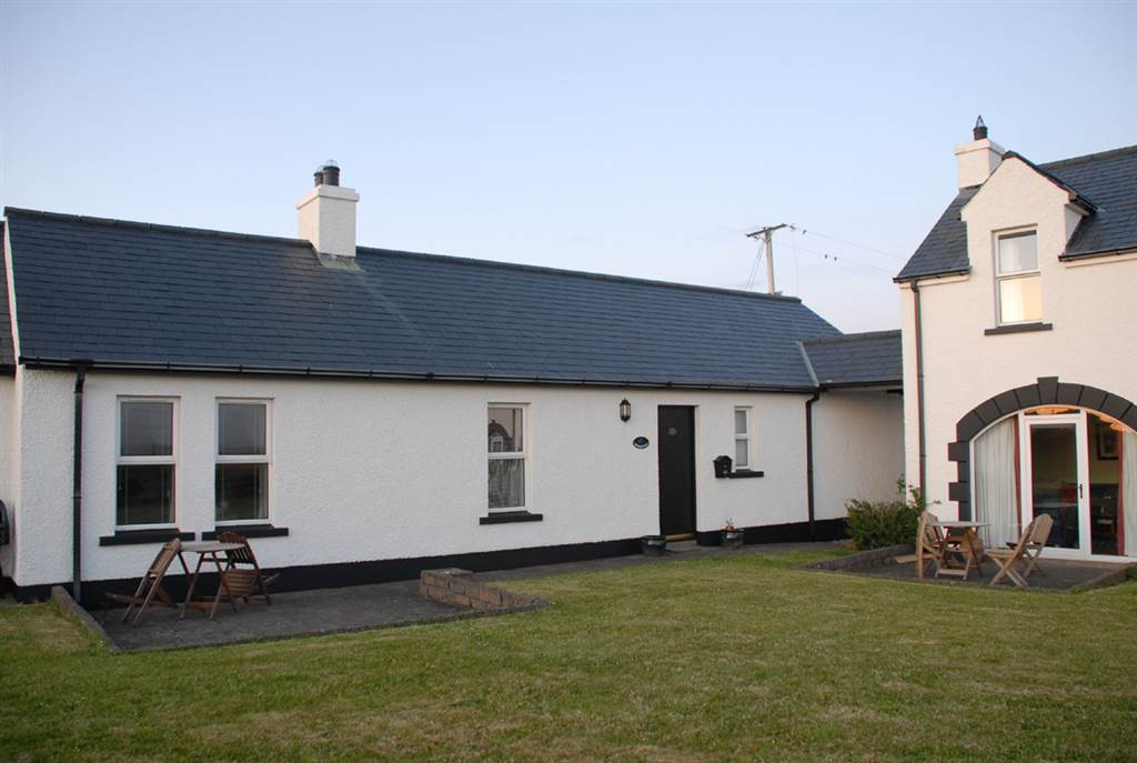 11 Aird Cottages