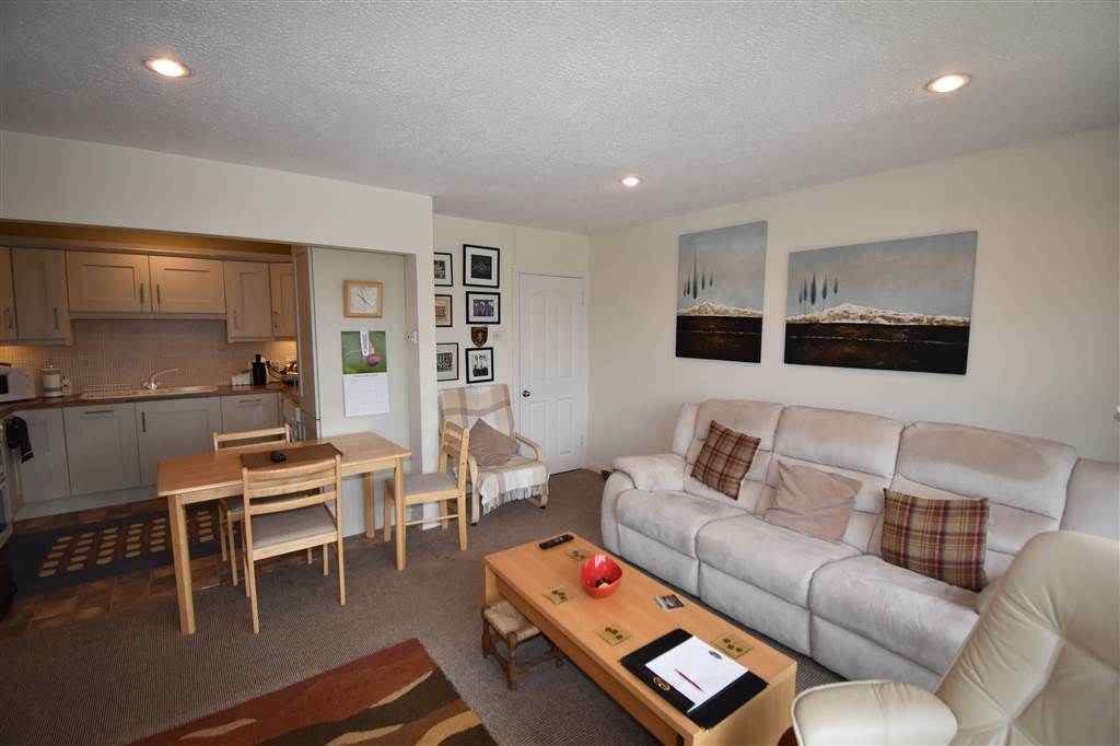 4 Turnberry Mews